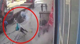 mère et son bébé projetés par pneu qui explose