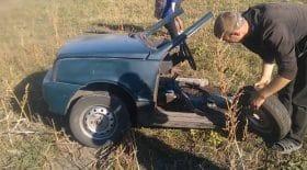 Ce garagiste russe va parvenir à faire remarcher cette voiture...