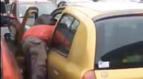 Un voleur de voiture pris en flagrant délit