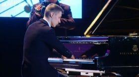 pianiste prodige sans doigts