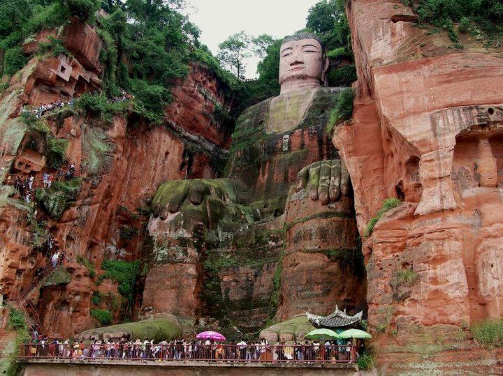 bouddha leshan chine