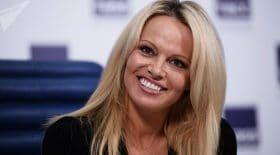 Pamela Anderson pose nue pour soutenir les animaux en captivité