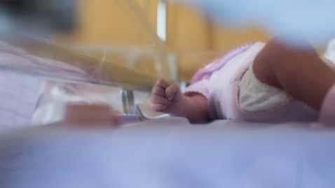 Un bébé né grâce à un miracle de la médecine