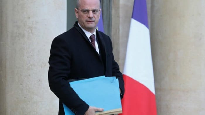 allocation-familiale-suppression-gouvernement-loi