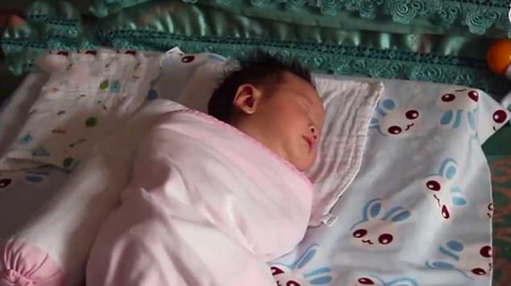 bébé prononce son premier mot