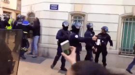 didier-andrieux-fracasse-manifestants