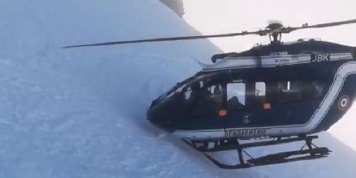 images-impressionnantes-helicoptere-mission-de-sauvetage-haute-savoie