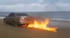 incendier sa voiture pour le buzz