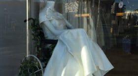 mannequin-vitrine-fauteuil-roulant