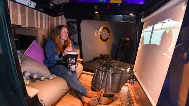 hélicoptère transformé en home cinema