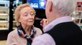 maquiller sa femme perd la vue