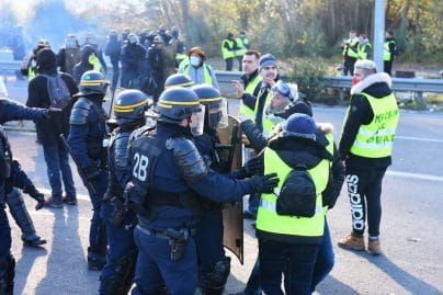 Gilets jaunes : une femme de 74 ans grièvement blessée à Nice