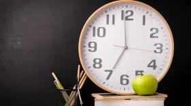 écoles horloges analogues