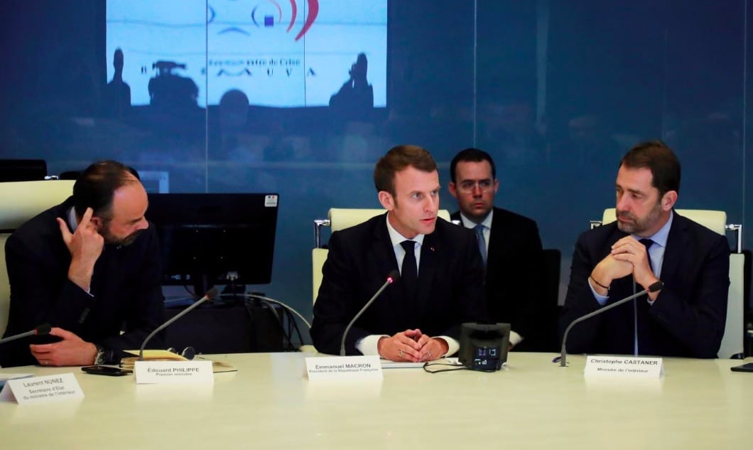 Gilets jaunes : Emmanuel Macron promet «des réponses fortes» après les violences de l'acte 18