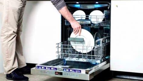 Le lave vaisselle, une invention de femmes