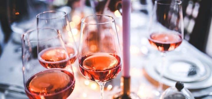 etre-paye-9000-e-pour-boire-du-rose-sur-instagram-ca-vous-tente