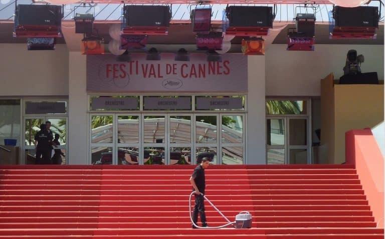 Le choc : Une actrice s'empale au festival de Cannes