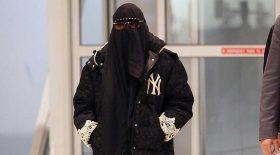 madonna met gala voile intégral burqa