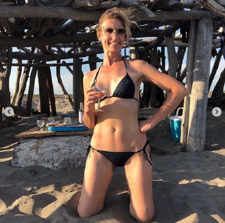 celibataire-alexandra-lamy-est-plus-rayonnante-que-jamais-et-saffiche-en-bikini-sur-instagram