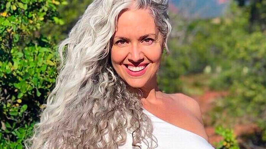 Arreter coloration cheveux blancs
