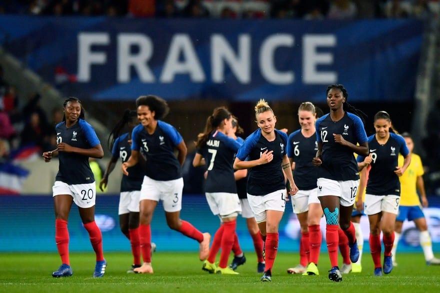 Coupe du monde : L'écart de salaire monumental entre les femmes et les hommes est-il normal ?