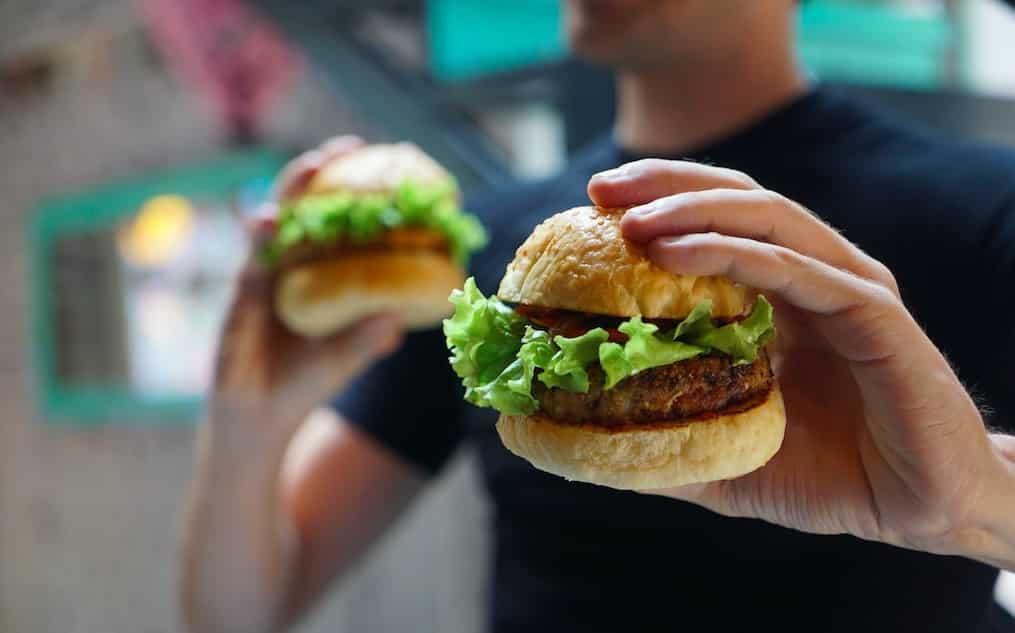 Selon une étude, les végétariens seraient très nombreux à manger de la viande lorsqu'ils sont ivres