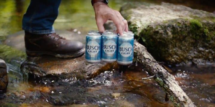 A la recherche d'un bar caché pour gagner des bières à vie