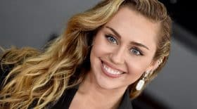 miley-cyrus-saffiche-string-son-compte-instagram