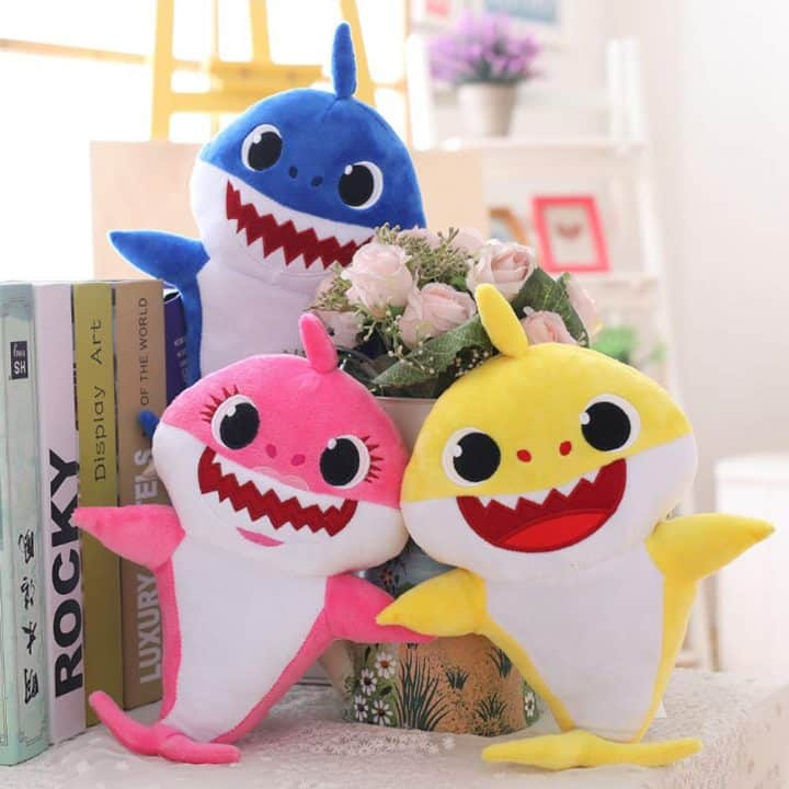 peluches baby shark
