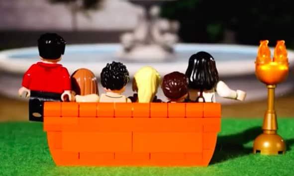 LEGO fête les 25 ans de la série Friends de la plus belle des manières !