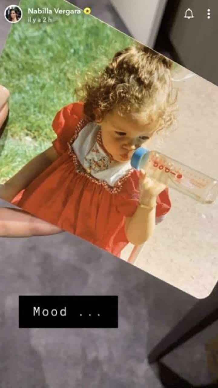 nabilla-nostalgique-elle-partage-un-cliche-delle-bebe