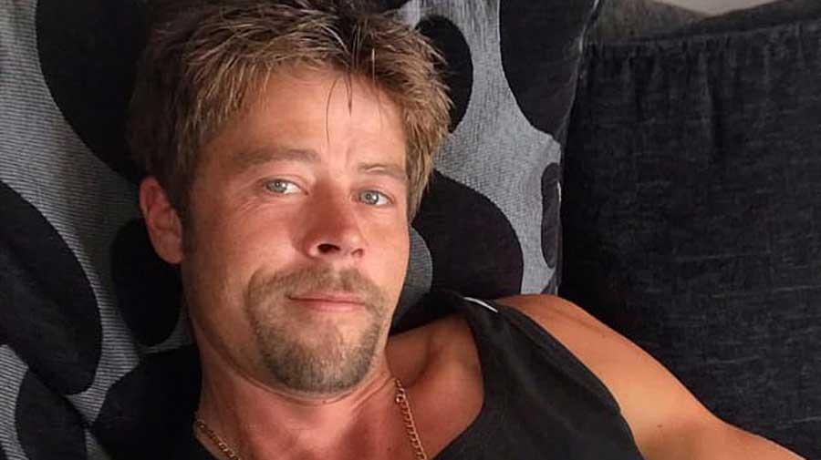 Sosie de Brad Pitt malgré lui, sa ressemblance ne lui facilite pas la vie