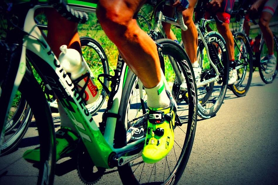 La photo choc des jambes d'un coureur cycliste juste après l'effort !