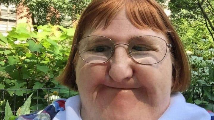 «Trop moche pour prendre des selfies» : une femme insultée gratuitement sur la toile à cause de sa photo !