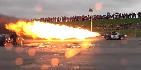 Équipée d'un réacteur d'avion de chasse, cette Peugeot 205 risque bien de décoller ! (VIDÉO) - Tribunal Du Net
