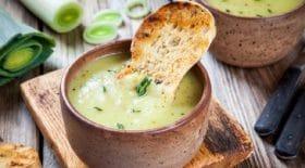 soupe-de-poireaux-au-chevre-frais-une-recette-de-saison-ideale-pour-affronter-lhiver