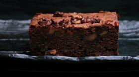 brownie-chocolat-caramel-aux-noisettes-caramelisees-une-recette-ultra-gourmande