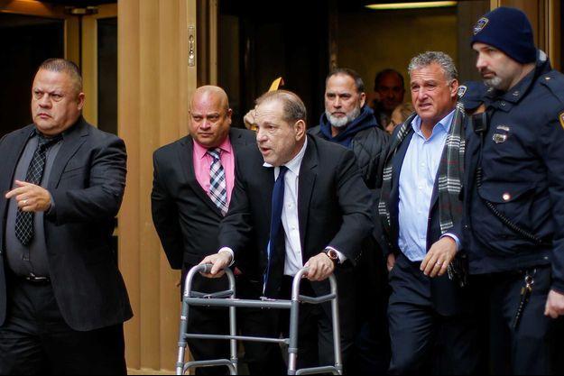 Harvey Weisntein le 11 décembre à la sortie du tribunal de New York
