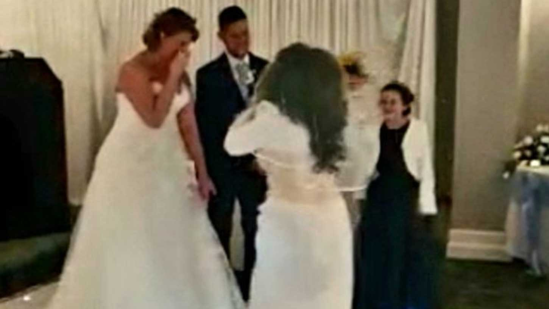 «Ça devrait être moi! »: Quand l'ex débarque en furie en plein mariage et réclame le marié