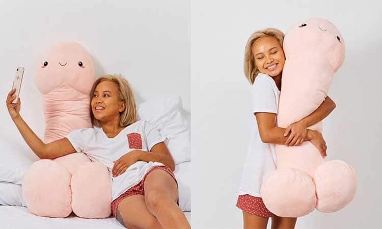 Cette peluche pénis géante réconfortera les célibataires à la Saint-Valentin