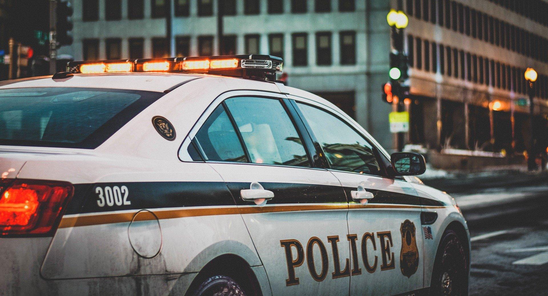 Un automobiliste, ivre, traine un policier en forçant un barrage de grévistes