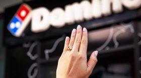 Domino's bague de fiançailles