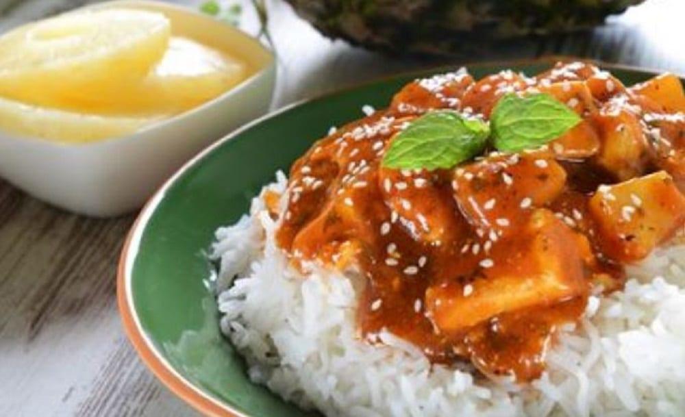 Poulet au curry et à l'ananas : une recette sucrée/salée hyper rapide !