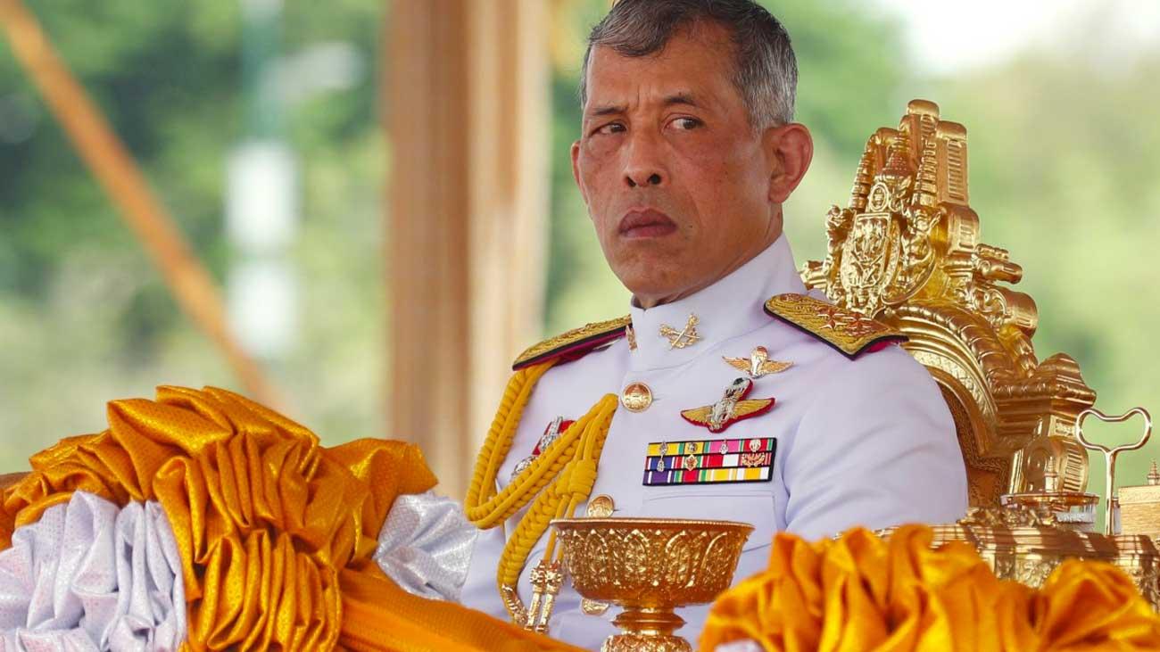 Coronavirus : le roi de Thaïlande se confine dans un hôtel de luxe avec 20 femmes
