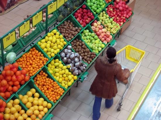 Covid-19 : comment supprimer le virus sur les fruits et légumes ?
