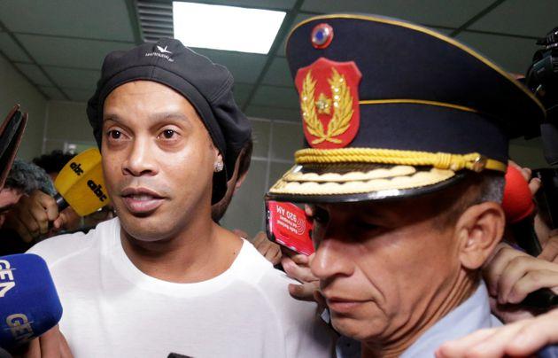 Ronaldinho arrêté avec son frère