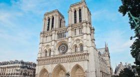 Coronavirus : notre-dame de Paris célèbre Vendredi Saint