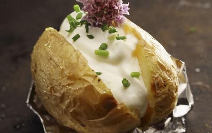 pommes-de-terre-au-barbecue-cest-lheure-seclater