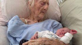 une femme de 74 ans donne naissance à un bébé