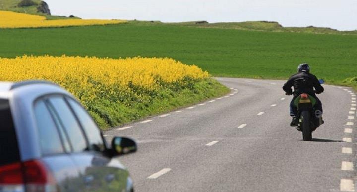 la corde tendue, des conséquences graves sur la route pour l'authenticité des - et des Horse-Bikers®